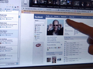 Flock CEO Shawn Hardin demos the social browser